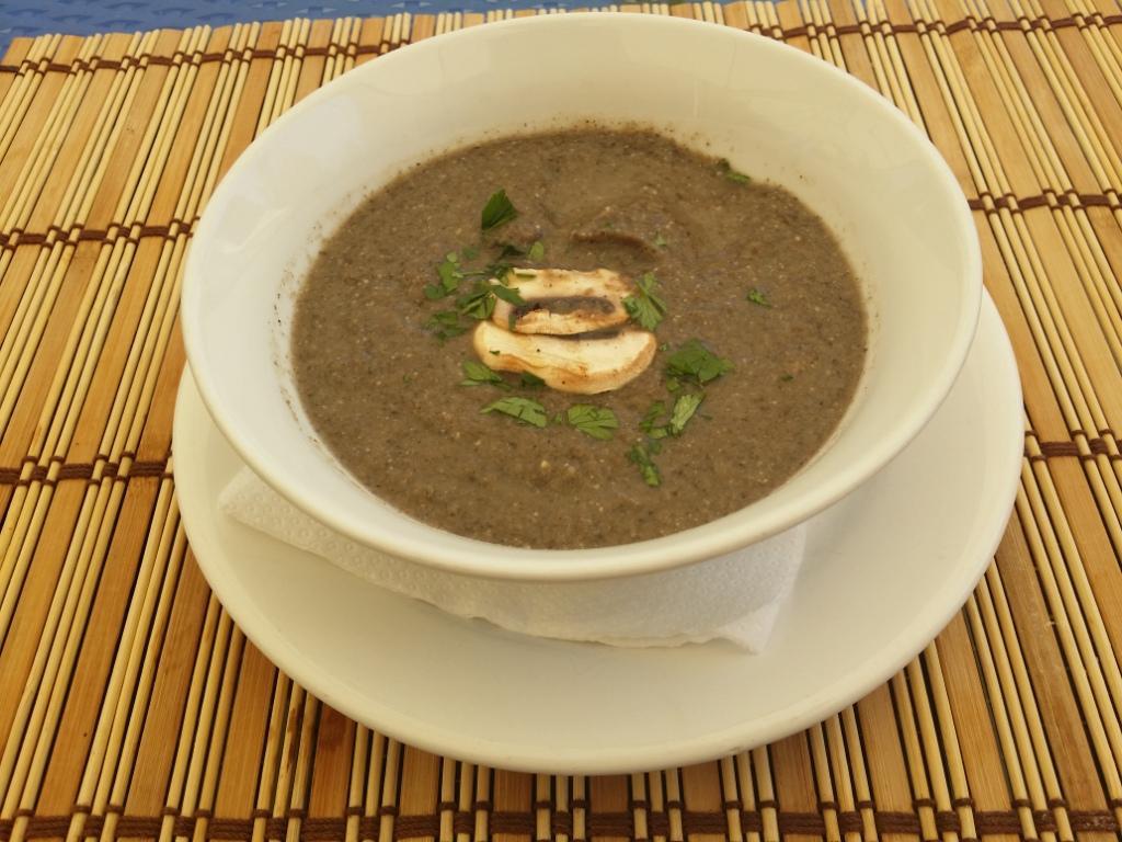 supa crema de ciuperci hotel restaurant maxim